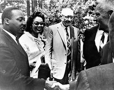 Came across this historic photo while browsing through the archives this afternoon. Such a great one.    Pictured: Martin Luther King Jr., alumna Coretta Scott King '51, former Antioch President Arthur E. Morgan (1920-1936), and J.D. Dawson, vice president and dean of students (1953-1967). Historical Women, Historical Photos, Martin L King, Martin Luther Jr, Dean Of Students, Coretta Scott King, Black Leaders, Civil Rights Movement, King Jr