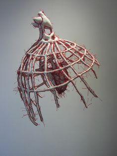 Sculptures métamorphosées et poétiques de Armelle Blary.