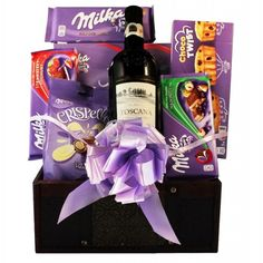 This Chocoholics Gift Basket brings you the finest selection of Milka chocolate sweets. Together with a flavor variety that you would love, chocolates with nuts, milk, strawberry flavors and much more.  Discover one of our popular wine and chocolate gifts with delivery to 26 European countries. #ValentinesDay #ValentinesDayGifts #ValentinesDayGiftIdeas #love Milka Chocolate, Chocolate Sweets, Chocolate Gifts, Wine Gift Baskets, Wine Collection, European Countries, Wine Gifts, Chocolates, Valentine Day Gifts
