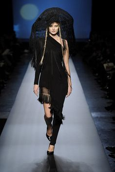 2010 Spring Couture: Jean Paul Gaultier Photo 17