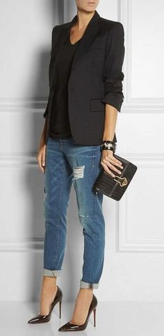what to wear with a pair of boyfriend jeans : black blazer + top + bag + heels