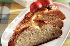 Εύκολο τσουρέκι με γιαούρτι-featured_image Greek Easter Bread, Greek Sweets, About Easter, Yeast Bread, Food Categories, How To Make Bread, Greek Recipes, Banana Bread, Snacks