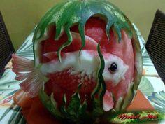 esculturas frutas e legumes takashi itoh Fruit Sculptures, Food Sculpture, Veggie Art, Fruit And Vegetable Carving, Amazing Food Art, Incredible Edibles, Amazing Artwork, Awesome Food, Watermelon Art