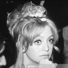 Happy belated Birthday to beautiful #GoldieHawn who turned 71 #Nov21!  Here's the #academyaward #goldenglobe winning #actress and #funnygirl back in March 1973 attending the 45th Annual #AcademyAwards Governors Ball in Beverly Hills CA  #goldie #cactusflower #shampoo #laughin #privatebenjamin #foulplay #celebsighting #whentheywereyoung #70s #1970s #oscar #bornonthisday #happybirthday #hollywood #celebrities #star #paparazzi #rongalella #ron_galella  #icon #blackandwhite #photo