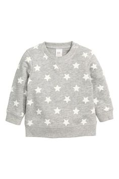 Sweatshirt: CONSCIOUS. Sweatshirt in soft organic cotton with a  press-stud on one shoulder (sizes 12-18 months and 18-24 months without a press-stud). Brushed inside.