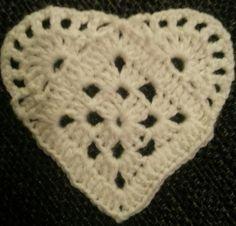 DAMER-for faen - En skikkelig kjærringblogg, rett og slett.. Skrevet av tvillingene Line og Gro. Crochet Headband Pattern, Crochet Motif, Crochet Doilies, Knit Crochet, Crochet Patterns, Crochet Stars, Crochet Blocks, Knitted Heart, Crochet Bookmarks