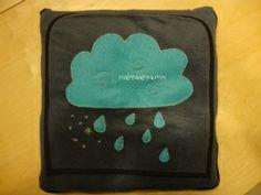manta de viaje adornada con nube divertida, travel blanket garnished with funny cloud at www.malonaalona.com