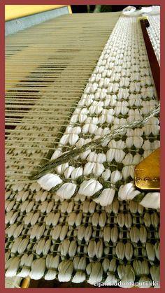 Eijan Kudontaputiikki: Matto Weaving Textiles, Weaving Art, Weaving Patterns, Loom Weaving, Hand Weaving, Loom Love, Types Of Weaving, Floor Cloth, Weaving Projects