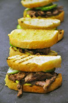 Sandwich med Grillet oksemørbrad med billede opskrift vist 1220, printet 15. Frokost Danmark Sandwich