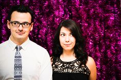 diy tinsel photobooth backdrop | Lovely Indeed