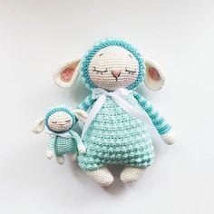 Vielen Dank für Eure Bereitschaft testzuhäklen! Dieses Mal dabei sind @maeusekram @anna.wis @marleensmadeforyou und @bylizeke Bitte per DN Eure Email durchgeben, sofern ich sie nicht schon habe! #marathelittlesheep Pattern / Anleitung coming soon #amaloudesigns #pattern #anleitung #comingsoon #crochet #crochetdoll #crochetanimal #crochetart #amigurumi #amigurumidoll #babygift #kawaii #craftastherapy