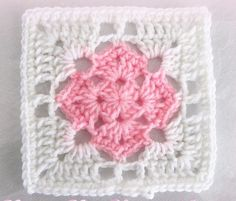 Granny Square 42 Ideas crochet granny square quilt stitches for 2019 Crochet Sachet, Crochet Quilt, Crochet Blocks, Crochet Home, Crochet Motif, Crochet Designs, Crochet Crafts, Crochet Projects, Crochet Kitchen