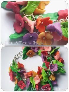 Bracciale con fiori e foglie in pasta polimerica, fimo