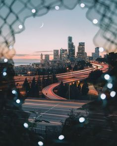 city photography A different perspective: Gorgeous Photos of China by Tristan Zhou Inspiration Grid Building Photography, Cityscape Photography, Framing Photography, Urban Photography, Street Photography, Landscape Photography, Nature Photography, Photography Ideas, Burns Photography
