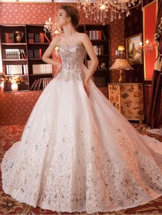 Ivory Sweetheart 3 Meters Train Tulle Ball Gown Wedding Dress W014