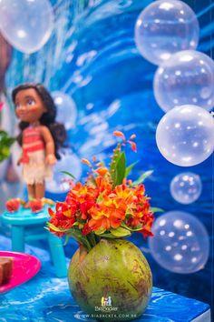 White balloons for bubbles! Moana Party, Moana Birthday Party, 4th Birthday Parties, 2nd Birthday, Moana Hawaiian, Hawaiian Theme, Luau Theme Party, Party Themes, Party Ideas