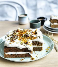 Shirni Parwana's masala carrot cake Gourmet traveller - Shirni Parwana shares its recipe for a carrot cake with garam masala spice, topped with cardamom and lime cream cheese icing. Easy Cake Recipes, Gourmet Recipes, Baking Recipes, Sweet Recipes, Masala Spice, Garam Masala, Slow Roasted Pork Shoulder, Lime Cream, Square Cakes