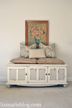 coffers and blanket boxes - great space saving idea - you can fill with toys/books and use the top as a table/desk/seat!