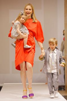Kelly Rutherford's Kids Are Home For The Summer - http://site.celebritybabyscoop.com/cbs/2015/07/04/kelly-rutherfords-summer #Custody, #CustodyBattle, #KellyRutherford
