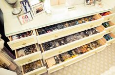Can we talk about this jewelry organization?! http://www.thecoveteur.com/gayle-king-home/