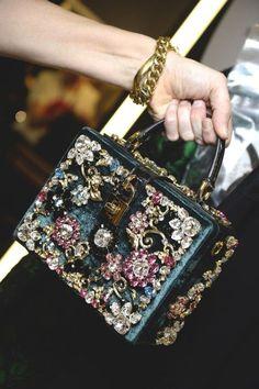 Dolce & Gabbana Women Fall Winter Fashion Show 2015 2016 Dolce Gabbana Women, Fashion Shows 2015, Cute Bags, Luxury Bags, Beautiful Bags, My Bags, Evening Bags, Purses And Handbags, Bling Bling