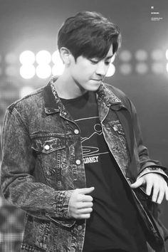 160827 - with dark hair! Thank you, kpop gods. Baekhyun, Park Chanyeol Exo, Baekyeol, Chanbaek, Chansoo, Kai, Kim Minseok, Exo Korean, Xiu Min