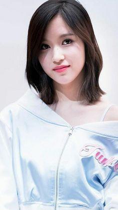 Nayeon, Momo Mina, Japanese American, Dahyun, Kpop Girls, Girl Group, Girlfriends, Penguin, Beauty