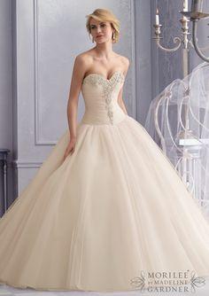 2677 061  (Vestido de Novia). Diseñador: Mori Lee. ...