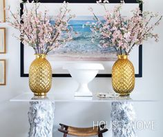 Impressive Entry Table | Photo Ashley Capp | #entryway #foyer #console #symmetry #quincebranches