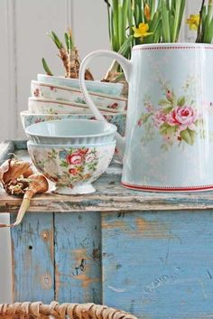 Cottage bowls and jug. Lovely for bulbs, small flower arrangements or wrapped treats because of the old glaze may not be food safe.