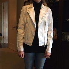 NWT Vince Camuto white Jean jacket. Super cool and fun Vince Camuto white Jean jacket. Never worn with tags. Purchased in NYC on Madison Avenue. Vince Camuto Jackets & Coats Jean Jackets