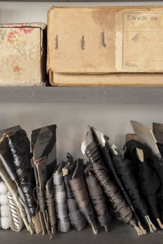 atelier de manon gignoux photo by eric valdenaire style prop arrange pinterest. Black Bedroom Furniture Sets. Home Design Ideas