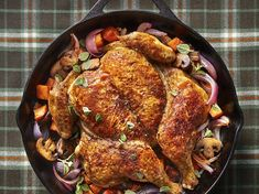Once you learn how to spatchcock a chicken, you'll know the secret to getting an irresistible roast bird on the table in just half an hour. Oven Chicken, Rotisserie Chicken, Crispy Chicken, Skillet Chicken, Chicken Under A Brick, Cooking Recipes, Healthy Recipes, Kitchens, Noodles