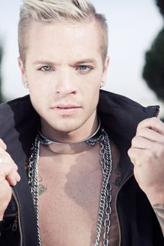 1000+ images about Sauli Koskinen ♥ on Pinterest | Adam lambert, Happy halloweenie and Hair makeup