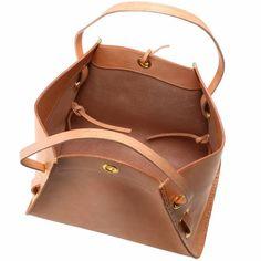 Marvelous Make a Hobo Bag Ideas. All Time Favorite Make a Hobo Bag Ideas. Leather Bag Design, Leather Bag Pattern, Leather Purses, Leather Handbags, Leather Totes, Leather Bags, Sacs Design, Leather Projects, Tote Handbags