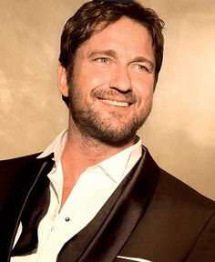 Gerard Butler for Hugo Boss ad ~ I LOVE this picture of him <3