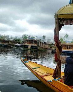 #photography  #moto #phoneclick  #kashmir #shikara #houseboat #boathouse #skbay #clouds #photography #travel #natgeotravel #wonderlust http://tipsrazzi.com/ipost/1510947243767102765/?code=BT39oNLF_0t
