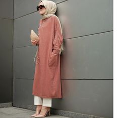 yes or no write your comment tag your friend tag and royalhijabnation to be featured credit quot; modern and fashionable hijab outfits Hijab Casual, Hijab Chic, Muslim Fashion, Modest Fashion, Hijab Fashion, Fashion Outfits, High Street Fashion, Modest Dresses, Modest Outfits
