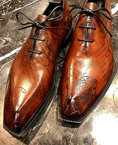 Alligator shoes and men's alligator boots, loafers, sneakers for sale, all our genuine alligator skin shoes are handcrafted by professional craftsmen. Slip On Shoes, Men's Shoes, Shoe Boots, Shoes Men, Dress Shoes, Formal Shoes, Casual Shoes, Leather Men, Leather Shoes