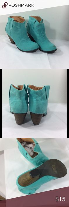 Charlotte Russe teal boots sz 9 Charlotte Russe teal ankle boots. Size 9. Has two marks on the toes. See photos. Smoke fr home. Charlotte Russe Shoes Ankle Boots & Booties