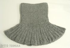 Tyttö touhuaa: Kauluri siskolle Knit Or Crochet, Crochet Scarves, Knitting Patterns, Sewing Patterns, Knitting Ideas, Vintage Knitting, Neck Warmer, Cowl, Embroidery