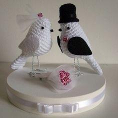 Noivinhos diferentes para seu bolo de casamento