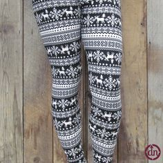 Yes, that chilly white season is upon us here at Du North Designs. We can't complain though, because with a new season that means NEW LEGGINGS! These winter time leggings are the perfect pair of leggings for those of you who prefer ice to sand, and snow to palm trees.