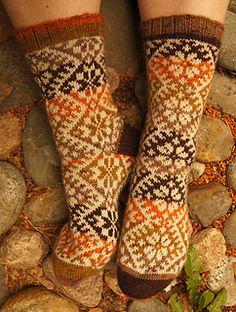 Kihnusukat1_small2 Wool Socks, Knitting Socks, Hand Knitting, Knitting Patterns, Yarn Projects, Projects To Try, Craft Items, Free Pattern, Knit Crochet