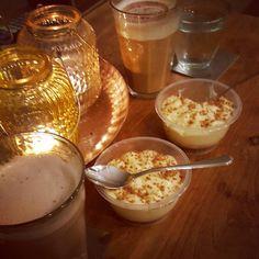 Woendsagavond geneiten. Gezellig toetje aan het eten  #cheatday #gezellig #gezelligheid #chai #latte #vergnano #friendship #vriendschap #echtgenieten #toffemeiden #woendsdagavond #toetje