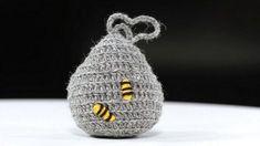 Valepesä karkottaa ampiaiset – näin se tehdään kahvinsuodattimesta minuutissa tai virkkaamalla vartissa - Koti | HS.fi Garden Inspiration, Diy And Crafts, Christmas Bulbs, Knitting, Holiday Decor, Crochet, Koti, Home Decor, Bees