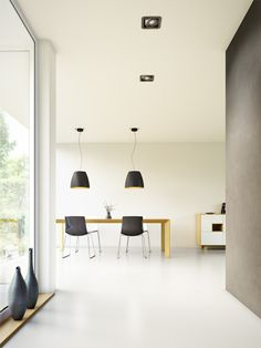 Salt is the suspended LED high-bay fitting that combines the features of an industrial luminaire with the aesthetics and elegance of interior design.