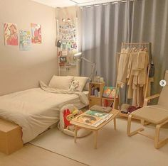 Small Apartment Bedrooms, Apartment Bedroom Decor, Room Design Bedroom, Small Room Bedroom, Room Ideas Bedroom, Bedroom Designs, Korean Bedroom Ideas, Study Room Decor, Indie Room