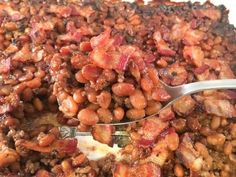Easy Baked Beans with Ground Beef, Bacon, and Brown Sugar - My Kitchen Serenity Simple Baked Beans Recipe, Homemade Baked Beans, Baked Bean Recipes, Bacon Recipes, Cooking Recipes, Pie Recipes, Ground Beef Baked Beans, Baked Beans With Hamburger
