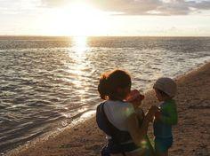 Fin des préparatifs pour notre Tour du Monde en famille : déménagement, assurance, bagages et vaccins.